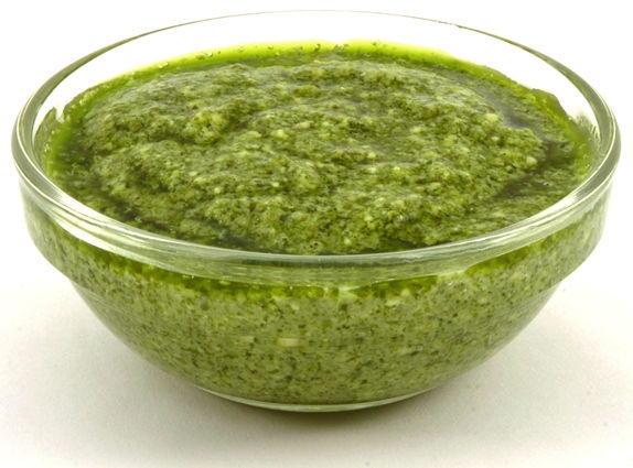 Pesto sosu tarifi ve kullanımı