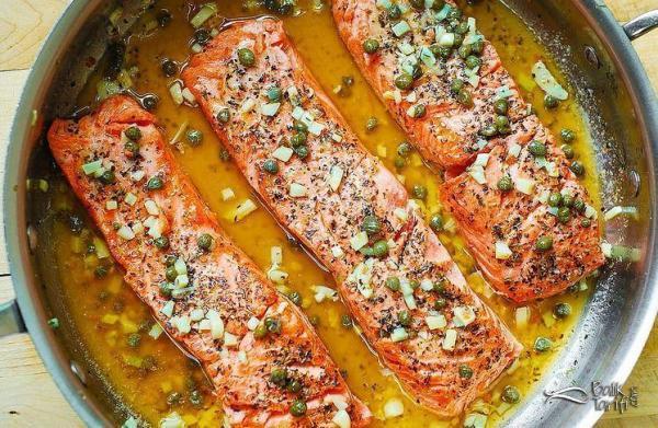 Tavada Somon Fileto Kapari, sarımsak ve tereyağı aromalı