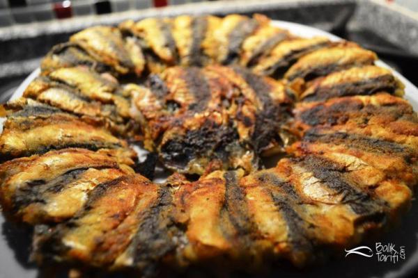 Çift taraflı balık tavasında kılçıksız sardalya nasıl yapılır