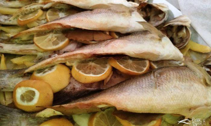 Fırında Patatesli Limonlu Levrek Tarifi